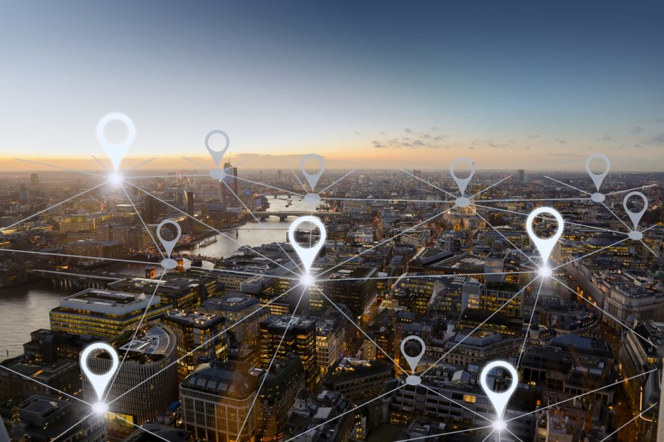 Geofencing Your Competitors to Collect More Leads