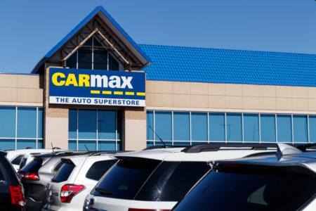 CarMax's Record Q2 Revenue + Apple vs. Facebook Standoff